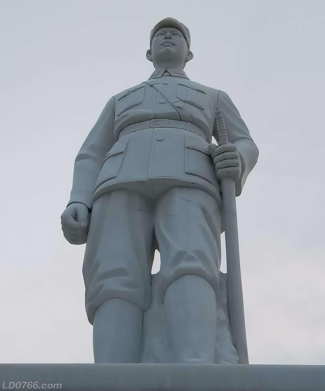 蔡廷锴将军玉石像