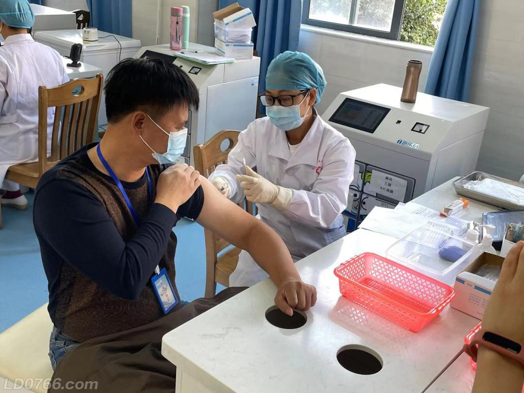 新冠病毒疫苗怎么打?带您体验接种全过程